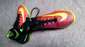 Indoor Soccer Shoes Men's 9.5 Nike Mercurial in Glendale Heights, Illinois