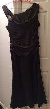 Black Formal Dress in Fort Leonard Wood, Missouri