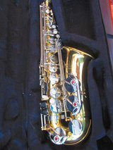 Saxophone Sax Glossy Brass Engraved Eb E-Flat White Shell Button in Clarksville, Tennessee