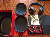 Beats by dr dre in Glendale Heights, Illinois