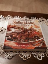 southern Living cookbook nee in Grafenwoehr, GE