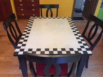 Beautiful table with glass top and 4 chairs in Lockport, Illinois