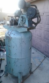 3 pump air compressor w/tank in Yucca Valley, California