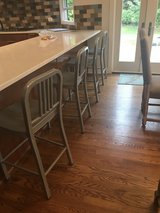 Bar stool in Glendale Heights, Illinois