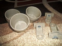 Set of 3 dog dishes that attaches to wire cages in Alamogordo, New Mexico