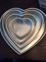 Wilton heart cake pans in Fort Campbell, Kentucky