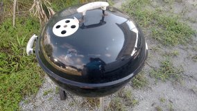 Weber Larger Kettle Charcoal Grill-Reduced in Camp Lejeune, North Carolina