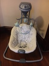 graco simple sways baby swing in Morris, Illinois
