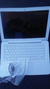 Apple Mac Laptop Completely Factory Refurbished in Tinley Park, Illinois
