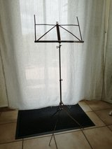 Foldable music stand in Baumholder, GE