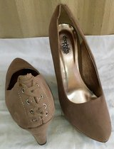 Taupe Wedges in Huntsville, Texas