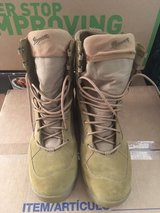 Danner boots size 9.5 in Fort Rucker, Alabama