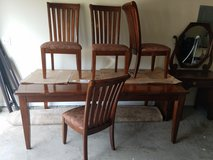 Kitchen table w/ leaf & 4 chairs in Clarksville, Tennessee