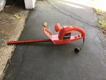 Electric hedge trimmer in Schaumburg, Illinois
