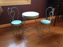 Ice Cream Parlor Table and (2) chairs DOLL SIZE in Lockport, Illinois