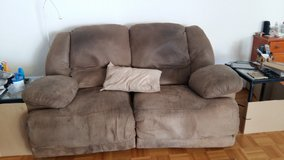 Ashley brand recliner love seat and couch in Wiesbaden, GE