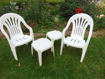 2 Chairs and tables in Sandwich, Illinois