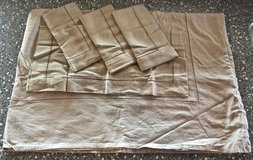 *REDUCED* Large Beige/ Light Brown Tablecloth with 4 NEW Napkins. Set of 5. in Okinawa, Japan