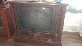 Console tv in Naperville, Illinois