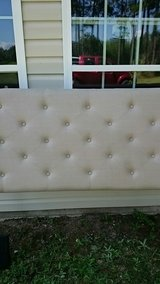 Queen size headboard in Dothan, Alabama