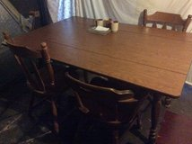 Kitchen table, 4 chairs in Fort Campbell, Kentucky