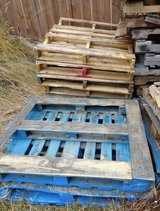 Free wooden pallets in Tacoma, Washington