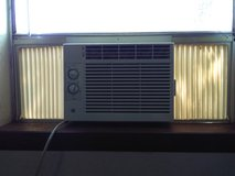 GE 5,000 btu window ac in Lawton, Oklahoma