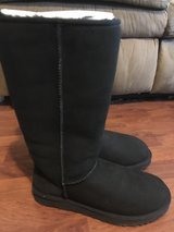 Uggs size 9 in Fort Campbell, Kentucky