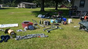Mens's Garage sale Going On Now in Fort Polk, Louisiana