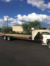 Tandem axle gooseneck trailer in Alamogordo, New Mexico