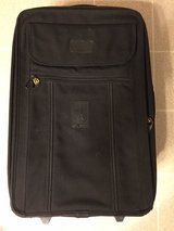 "23"" x 15 1/2"" TravelPro Roller Bag Excellent Condition in Batavia, Illinois"