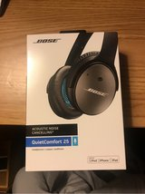 Bose QC25 Noise Cancelling headphones (not wireless) in Travis AFB, California