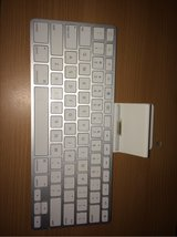 Apple Keyboard for Ipads 1, 2, and 3. in Okinawa, Japan