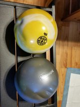 two 5 pound exercise balls in Fort Bragg, North Carolina