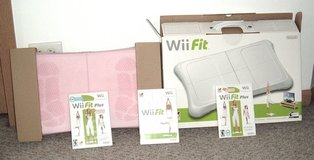 LIKE NEW! Nintendo Wii Fit Plus Exercise Bundle Wii Balance Board w Pink Skin & 3 Wii Fit Games in Morris, Illinois