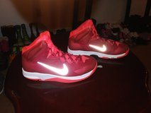Youth Nike Hyperdunk Size 6.5Y in Hinesville, Georgia