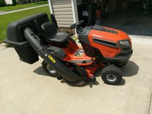 2016 Husqvarna Yta24V48 24-HP V-Twin Automatic 48-in Riding Lawn Mower With Rear Bagger in Camp Lejeune, North Carolina