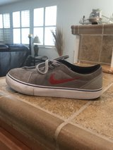 nike size 3.5 in Vacaville, California