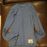 Hollister long sleeved shirt in Bolingbrook, Illinois