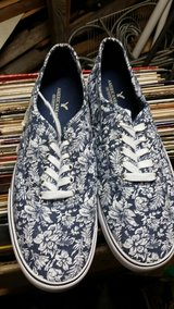 Size 12 American Eagle Shoes in Joliet, Illinois