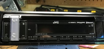 JVC KD-R988BTS CD receiver radio with speakers in Elizabethtown, Kentucky