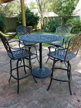 Heavy patio furniture table and 4 chairs in Houston, Texas