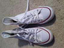 High top converse women size 7 in Gordon, Georgia