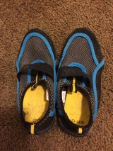 Kid shoes size 11/12 in 29 Palms, California