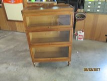 VINTAGE 3 SECTION BARRISTER BOOK CASE (NO LABEL OR IDENTIFYING STAMPS) in Chicago, Illinois