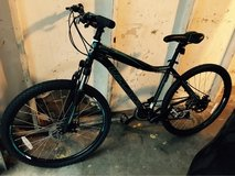 Bike brand new only used once - 4 weeks old in Fort Campbell, Kentucky