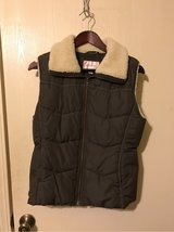 Zhilaration Women's Vest Size Large in Naperville, Illinois