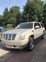 Cadillac Escalade ESV 8 Seater US SPEC in Geilenkirchen, GE