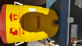 IGLOO 10 Gallon Beverage Cooler in Yucca Valley, California