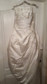 Brand new wedding gown in Lake Elsinore, California